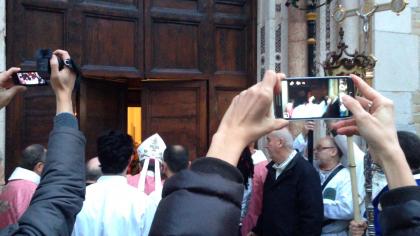 Il Vescovo Trasarti ha aperto la Porta della Misericordia – FOTO – VIDEO