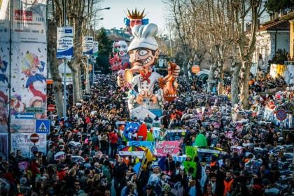 In 75.000 per la seconda domenica del Carnevale di Fano