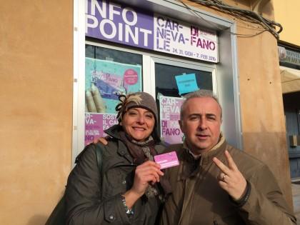 La vincitrice Rossella Omiccioli e Alessandro Leonelli della Carnevalesca
