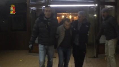 Arrestati ladri acrobati. Casalinga faceva da palo – VIDEO