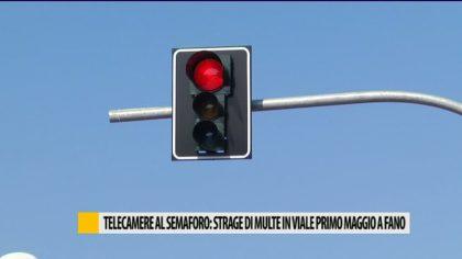 Telecamere al semaforo, strage di multe in viale primo Maggio a Fano