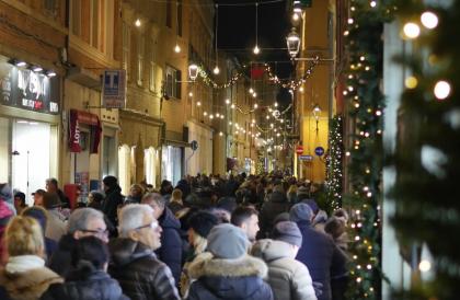"""I commercianti del centro: """"Il Natale non è spento. La città  è viva grazie ai tanti eventi"""""""