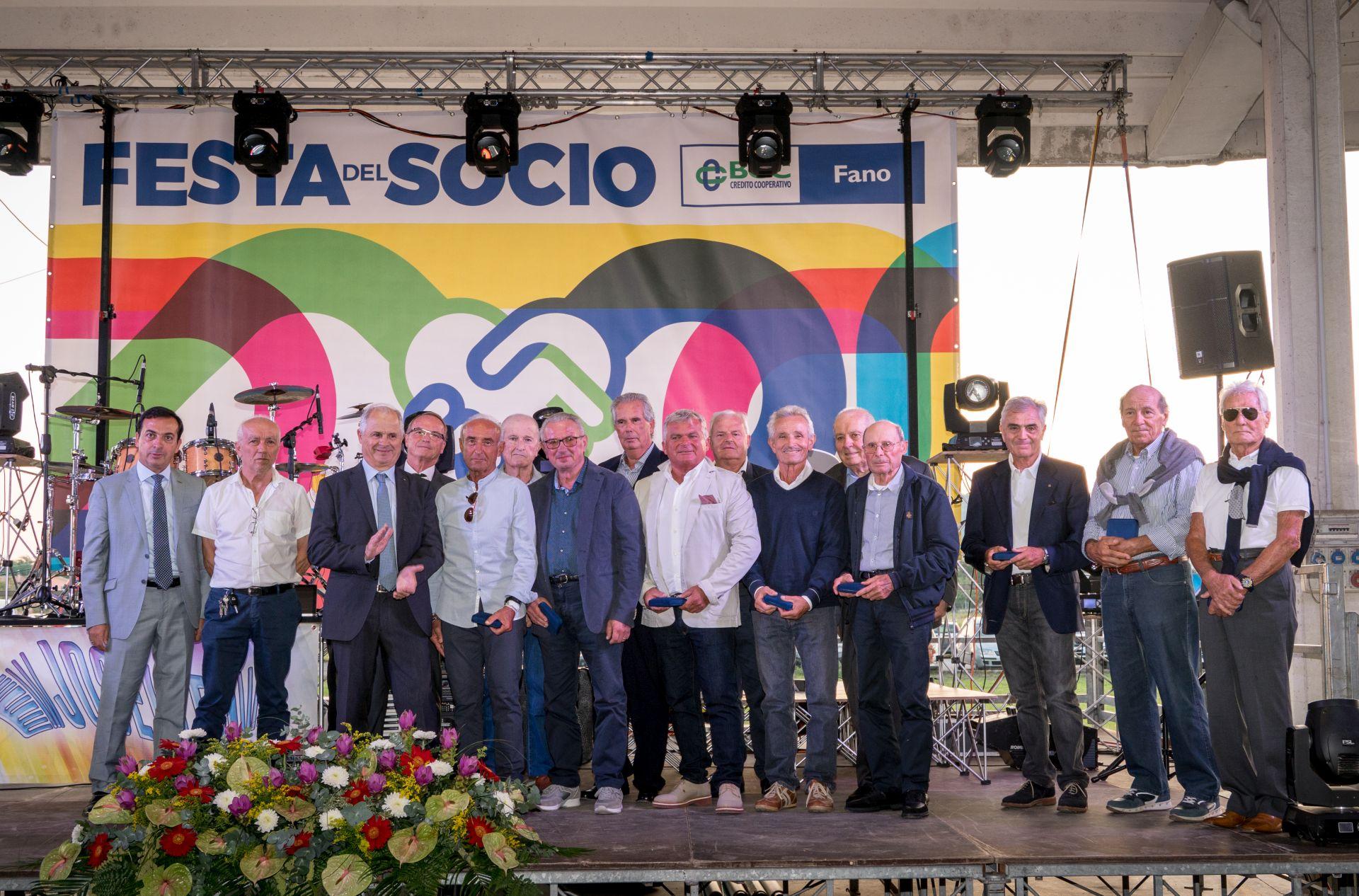 3 200 Persone Fanno Festa Con La Bcc Fano Occhio Alla