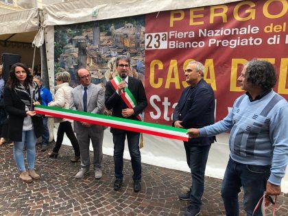 Inaugurata la Fiera Nazionale del Tartufo in uno de I Borghi più Belli d'Italia: Pergola entra nel Club