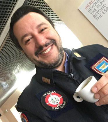 Salvini, bevo un caffè, sempre che a sinistra non si offendano