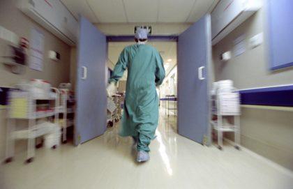Discoteca: 15enne in rianimazione respira da sola