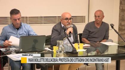 Maxi bollette dell'acqua: protesta dei cittadini che incontrano Aset – VIDEO