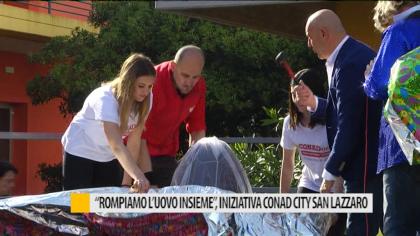"""""""Rompiamo l'uovo insieme"""", iniziativa simpatica nel quartiere San Lazzaro – VIDEO"""