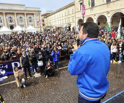 """Salvini: """"Dopo Comuni prossimo obiettivo è licenziare la sinistra dalla Regione Marche"""" – VIDEO"""
