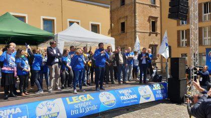 """Salvini: """"Al via guerra a cannabis, chiusi primi 3 shop nelle Marche"""""""