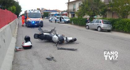 Fano, incidente lungo la Flaminia tra un'auto e una moto