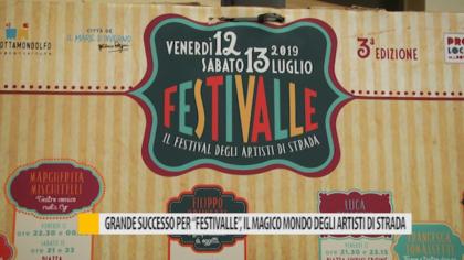 """Grande successo per """"Festivalle"""", il magico mondo degli artisti di strada – VIDEO"""