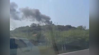Rimessa in fiamme a Villa Piccinetti: incendio domato dai vigili del fuoco – VIDEO