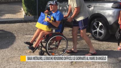 Baia Metauro Fano, le buche rendono difficili le giornate al mare di Angelo – VIDEO