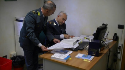 Nasconde al fisco migliaia di euro e si rende irreperibile: evasore totale scoperto dai finanzieri di Fano