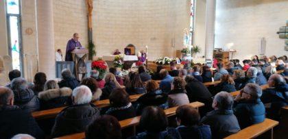 Fano, chiesa di Centinarola gremita per l'ultimo saluto a Patrick Mencoboni