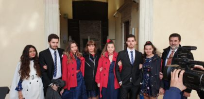 Urbino, laurea da Guinness dei primati per una mamma e i suoi sei figli